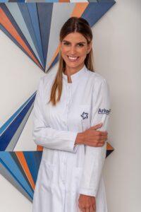 Dra. Debora